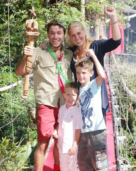 gino d 39 acampo is jungle king. Black Bedroom Furniture Sets. Home Design Ideas