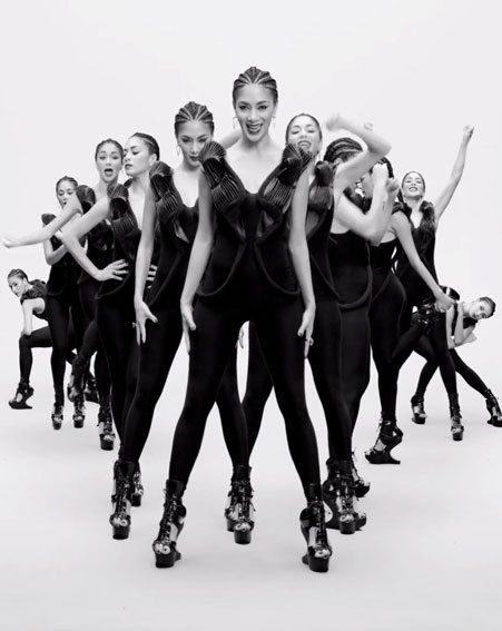Nicole Scherzinger cloned herself into an army of dancers in the Boomerang music video