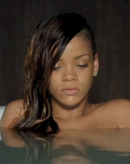Rihanna gets naked for her new music video Stay
