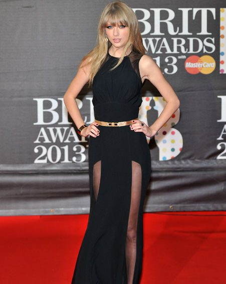 Taylor Swift arrived in a daring black frock