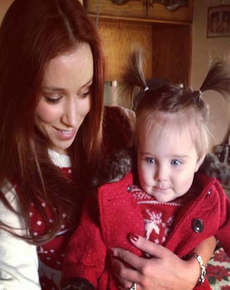 Una Healy tweeted an adorable snap of herself and Aoife Belle wearing matching Christmas jumpers